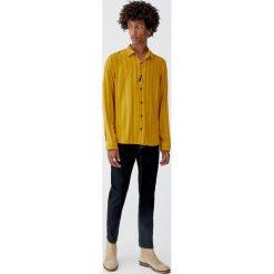 Koszula z wiskozy w paski z długim rękawem. Czerwone koszule męskie w paski marki Pull&Bear, m. Za 99,90 zł.