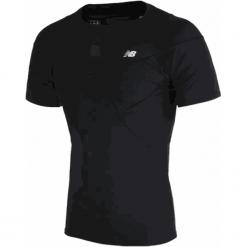 Koszulka kompresyjna - MT710135BK. Czarne koszulki do piłki nożnej męskie New Balance, na jesień, m, z materiału. W wyprzedaży za 129,99 zł.