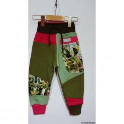 PATCH PANTS spodnie dziecięce szare 74 - 98 cm. Szare spodnie niemowlęce marki Pakamera, z dresówki. Za 89,00 zł.