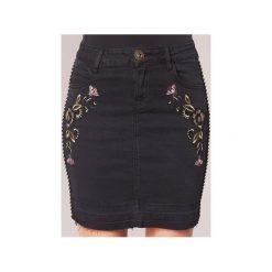 Spódnice krótkie Desigual  MAROS. Szare minispódniczki marki Desigual, l, z tkaniny, casualowe, z długim rękawem. Za 231,80 zł.