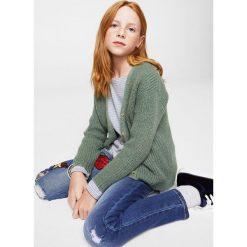 Mango Kids - Kardigan dziecięcy 110-164 cm. Fioletowe swetry dziewczęce marki OLAIAN, z elastanu, sportowe. W wyprzedaży za 49,90 zł.