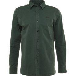 Lacoste LIVE Koszula sinople. Zielone koszule męskie na spinki Lacoste LIVE, m, z bawełny. Za 379,00 zł.