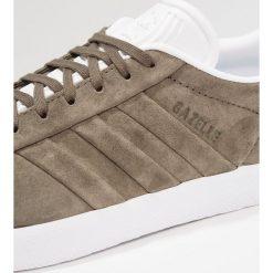 Adidas Originals GAZELLE STITCH AND TURN Tenisówki i Trampki branch/footwear white. Zielone tenisówki męskie adidas Originals, z materiału. Za 449,00 zł.