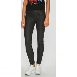 Guess Jeans - Spodnie Shanon. Szare boyfriendy damskie Guess Jeans. Za 549,90 zł.