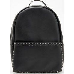 Plecak z ćwiekami - Czarny. Czarne plecaki damskie Reserved. Za 129,99 zł.