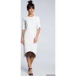 Sukienki dziewczęce z falbanami: Sukienka z wycięciem i wstawką z koronki