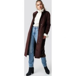 Rut&Circle Płaszcz Gella - Brown. Zielone płaszcze damskie marki Rut&Circle, z dzianiny, z okrągłym kołnierzem. Za 364,95 zł.