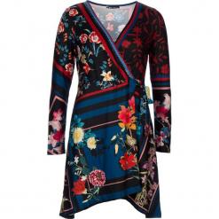 Sukienka w kolorze czarnym ze wzorem. Czarne sukienki na komunię 101 idées, m, z kopertowym dekoltem, midi, kopertowe. W wyprzedaży za 90,95 zł.