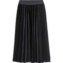 Spódnica aksamitna bonprix czarny. Czarne spódnice wieczorowe bonprix, w paski. Za 109,99 zł.