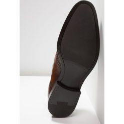 Zign Eleganckie buty brown. Brązowe buty wizytowe męskie Zign, z materiału, na sznurówki. Za 459,00 zł.