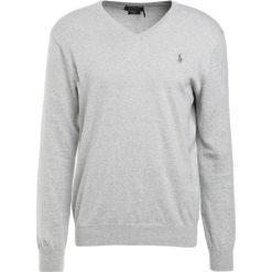 Polo Ralph Lauren Sweter light grey heather. Szare swetry klasyczne męskie Polo Ralph Lauren, m, z bawełny, polo. Za 589,00 zł.