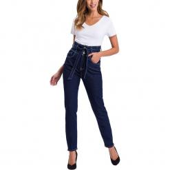 """Dżinsy """"Joy"""" - Regular fit - w kolorze granatowym. Niebieskie rurki damskie marki Cross Jeans, z aplikacjami, z tkaniny. W wyprzedaży za 127,95 zł."""