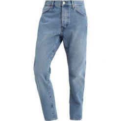 Wrangler SLIDER Jeansy Zwężane kabel blue. Szare jeansy męskie marki Wrangler, l, z poliesteru, z kapturem. Za 399,00 zł.
