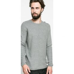 Tom Tailor Denim - Sweter. Szare swetry klasyczne męskie marki TOM TAILOR DENIM, l, z bawełny, z okrągłym kołnierzem. W wyprzedaży za 59,90 zł.