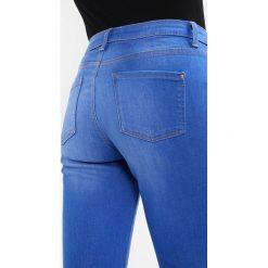 Dorothy Perkins DARCY Jeans Skinny Fit bright blue. Niebieskie jeansy damskie relaxed fit marki Dorothy Perkins. Za 129,00 zł.