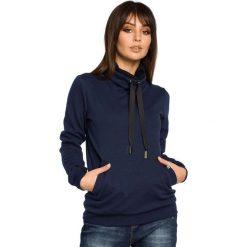 Bluzy sportowe damskie: Granatowa Bluza z Wysokim Kołnierzem