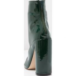 Botki damskie lity: Public Desire IMPACT Botki na obcasie dark green