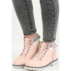 Różowe Traperki Fashion Casual. Czerwone buty zimowe damskie Born2be, na płaskiej podeszwie. Za 99,99 zł.