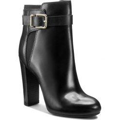 Botki GUESS - Denisa FLDEN4 LEA10 BLACK. Czarne botki damskie skórzane marki Guess. W wyprzedaży za 459,00 zł.