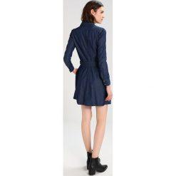 GStar FIT & FLARE Sukienka jeansowa dark aged. Niebieskie sukienki marki G-Star, l, z bawełny. W wyprzedaży za 375,20 zł.