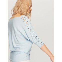 Kardigany damskie: Sweter z gorsetowym wiązaniem – Niebieski