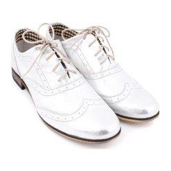 Skórzane oxfordy w kolorze srebrnym. Szare jazzówki damskie Zapato, ze skóry. W wyprzedaży za 199,95 zł.