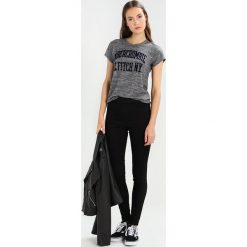 T-shirty damskie: Abercrombie & Fitch COZY LOGO TEE Tshirt z nadrukiem dark grey