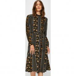 Vero Moda - Sukienka. Brązowe długie sukienki marki Vero Moda, na co dzień, l, w paski, z elastanu, casualowe, z okrągłym kołnierzem, z długim rękawem, proste. Za 169,90 zł.