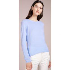 FTC Cashmere CREW NECK Sweter aquarius. Niebieskie swetry klasyczne damskie FTC Cashmere, m, z kaszmiru. Za 839,00 zł.