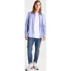 T-shirty męskie z nadrukiem: RVLT Tshirt z nadrukiem white