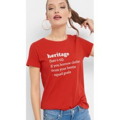 T-shirt z napisem. Czarne t-shirty damskie marki Orsay, xs, z bawełny, z dekoltem na plecach. W wyprzedaży za 15,00 zł.