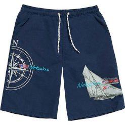 """Szorty kąpielowe """"Skanden"""" w kolorze granatowym. Niebieskie szorty męskie marki Nebulus, z nadrukiem. W wyprzedaży za 65,95 zł."""