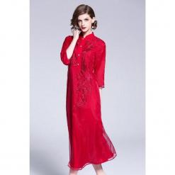 Sukienka w kolorze czerwonym. Czerwone sukienki marki Zeraco, ze stójką, midi. W wyprzedaży za 349,95 zł.