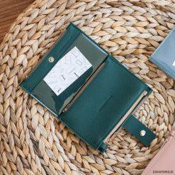 Portfel - Pocket BIG / Dark Green. Czarne portfele damskie marki KIPSTA, m, z elastanu, z długim rękawem, na fitness i siłownię. Za 229,00 zł.