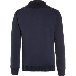 Kaporal NIZRA Sweter navy. Niebieskie swetry chłopięce Kaporal, z bawełny. W wyprzedaży za 183,20 zł.