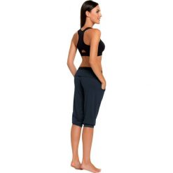 Gwinner Spodnie damskie Loose Sport Capri Nair czarne r. XXL (424522010000). Czarne spodnie sportowe damskie marki Gwinner, xxl. Za 87,80 zł.