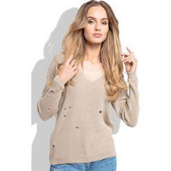 Swetry damskie: Beżowy Klasyczny Sweter z Dekoltem w Szpic z Dziurami