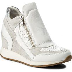 Sneakersy GEOX - D Nydame A D620QA 08522 C1352 White/Off White. Białe sneakersy damskie Geox, z materiału. W wyprzedaży za 339,00 zł.