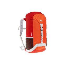 Plecak turystyczny NH100 30 l. Czerwone plecaki męskie marki QUECHUA, z materiału. W wyprzedaży za 34,99 zł.