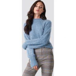 Rut&Circle Sweter z bufiastym rękawem Ferdone - Blue. Zielone swetry klasyczne damskie marki Rut&Circle, z dzianiny, z okrągłym kołnierzem. Za 161,95 zł.