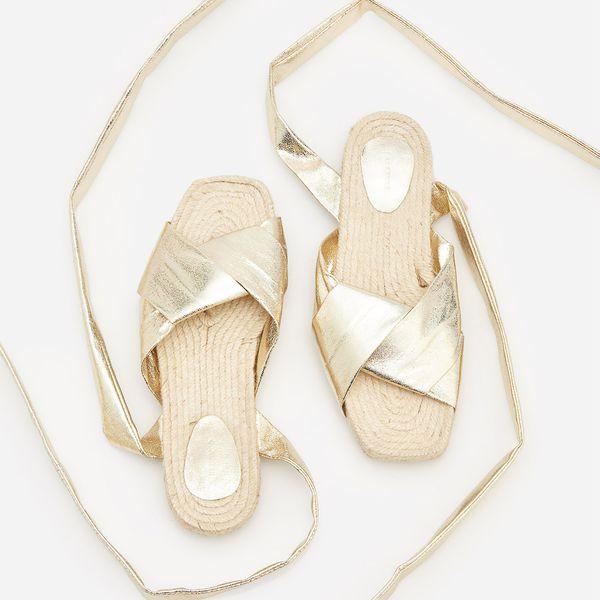9453d5db1 Sandały z wiązaniem - Złoty - Żółte sandały damskie Reserved, bez ...