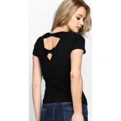 Czarny T-shirt High Level. Czarne bluzki damskie marki Born2be, l. Za 34,99 zł.
