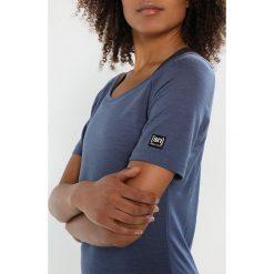 Topy sportowe damskie: super.natural ESSENTIAL SCOOP NECK TEE Tshirt basic dark avio