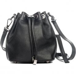 Skórzana torebka w kolorze czarnym - 20 x 33 x 10 cm. Czarne torebki klasyczne damskie Mia Tomazzi, w paski, z materiału. W wyprzedaży za 227,95 zł.