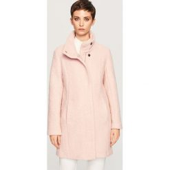 Płaszcz z wełną - Różowy. Niebieskie płaszcze damskie wełniane marki Reserved. Za 299,99 zł.