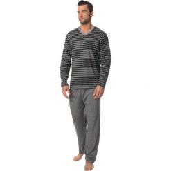 Męska piżama ROSSLI Adrien. Niebieskie piżamy męskie marki Astratex, z bawełny. Za 130,99 zł.