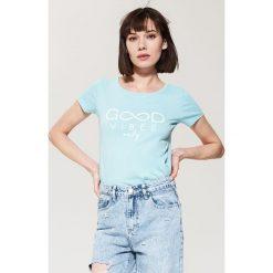 T-shirty damskie: T-shirt z nadrukiem – Turkusowy