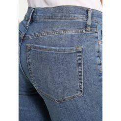 Free People JEAN BUSTED  Jeans Skinny Fit light denim. Niebieskie boyfriendy damskie Free People. W wyprzedaży za 244,30 zł.