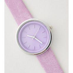 Zegarki damskie: Zegarek z denimowym paskiem - Fioletowy