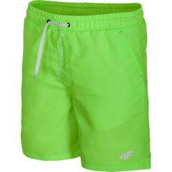 Spodenki plażowe dla dużych chłopców JMAJM208 - soczysta zieleń. Zielone kąpielówki chłopięce marki 4F JUNIOR, z materiału. Za 59,99 zł.